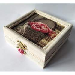 Cutiuta din lemn, cu lavanda 11x11x4,5 cm - model 10 MACF-238